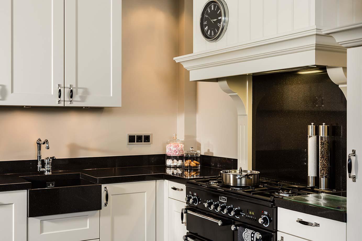 Keur Keukens Keukentegels : Landelijke keukens genieten zonder zorgen keur