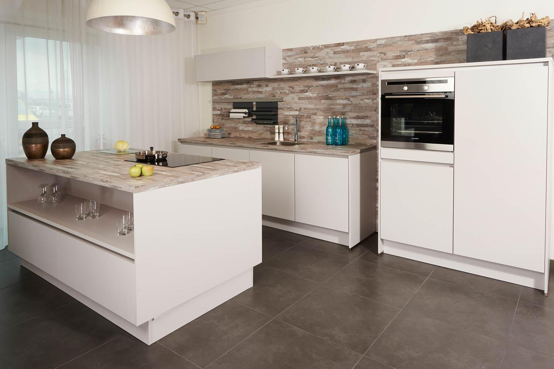 Keuken Design Amsterdam : Keukenzaak Amsterdam. ?Klant koning,? zegt klant AJ – Keur