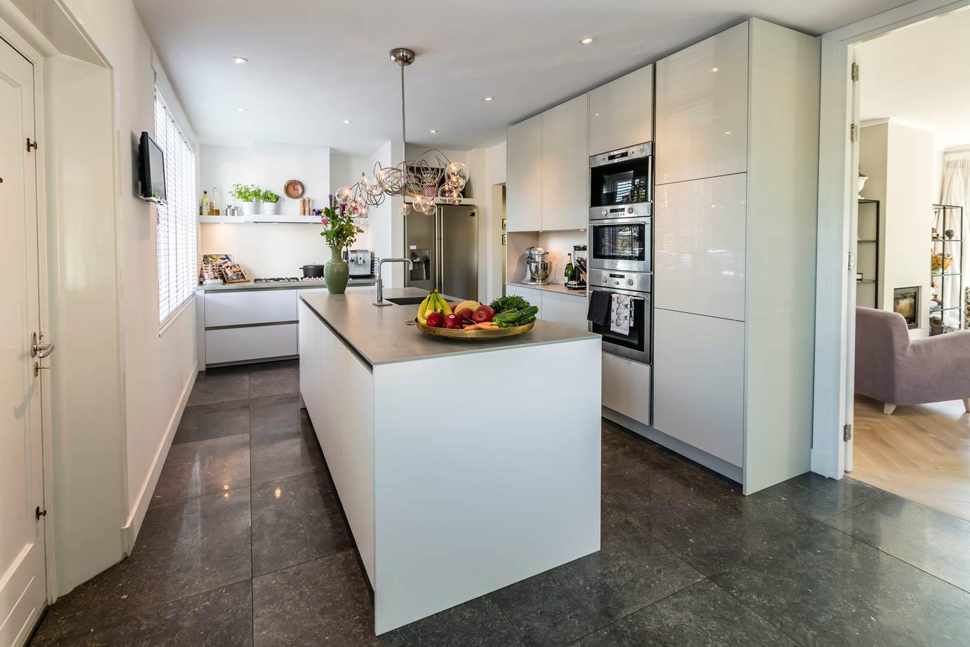 Moderne keuken met eiland in haarlem kopen lees klantervaring keur