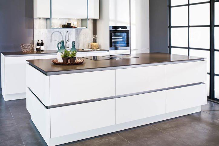 Moderne Keuken Kleuren : Welke kleur wordt uw keuken? elke ral en sikkens kleur is mogelijk